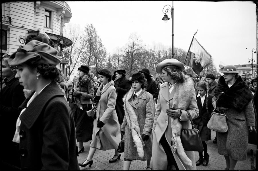 Marsz Cieni, Warszawa 2104, foto Marek Podolczyński
